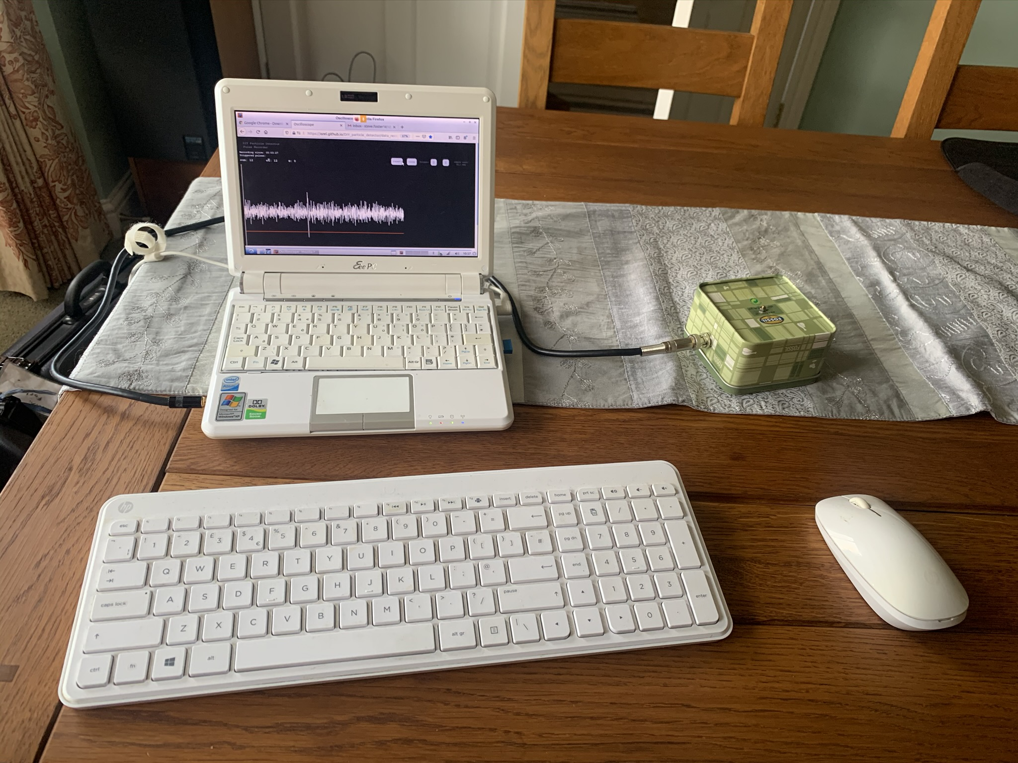 CERN DIY electron detector and connected laptop